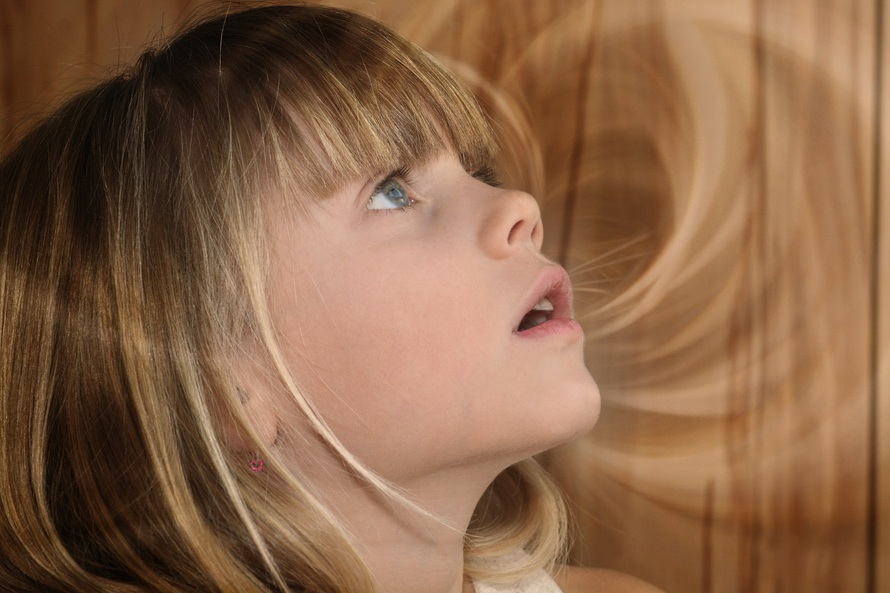 child-girl-blond-face-38300-large